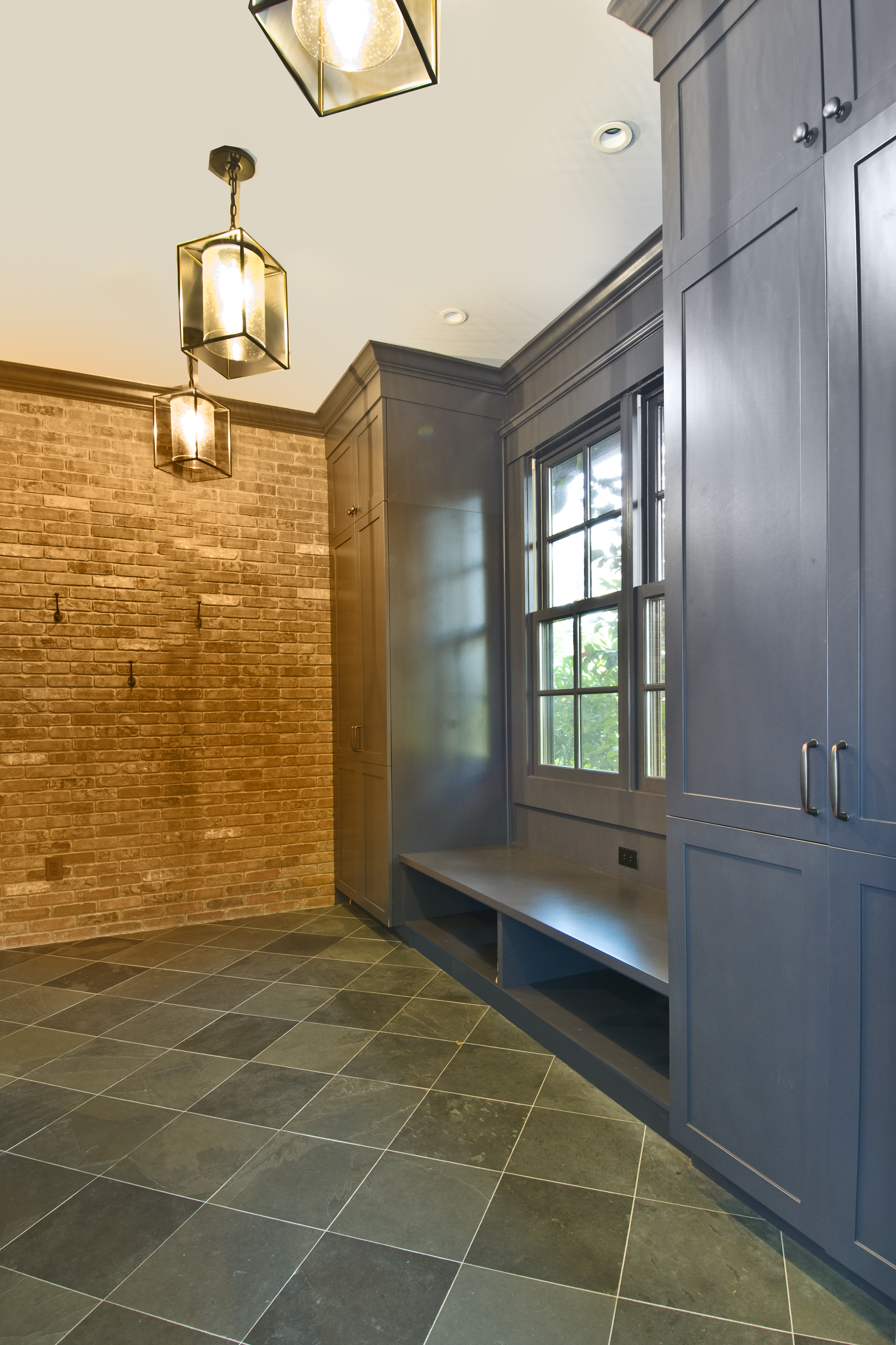 P1_-_Int_1A_-_Mudroom_view_-_final_looking_from_the_porch_into_the_mudroom